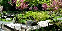 Simkea-Ortschaft:Clubhaus-Garten